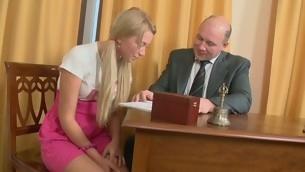 Roasting older teacher is seducing hottie's lusty beaver